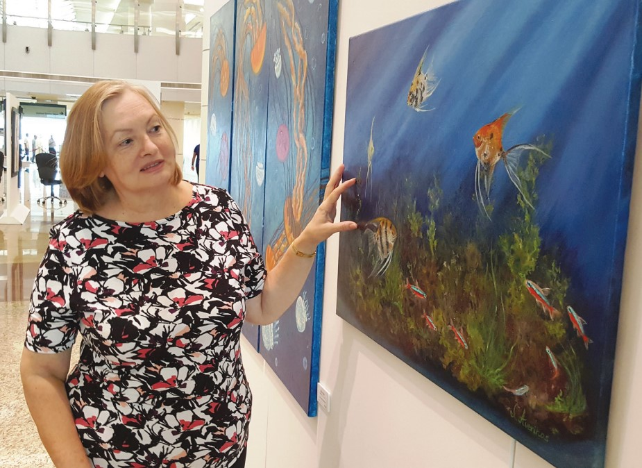 Gulf Weekly Ladies hooked on art!