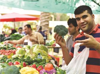 Gulf Weekly Early-risers enjoy Farmers Market feast