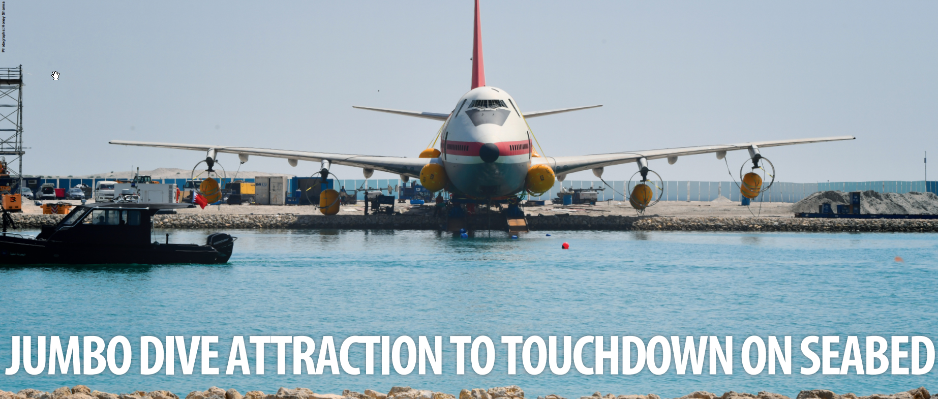 Gulf Weekly JUMBO DIVE ATTRACTION TO TOUCHDOWN ON SEABED