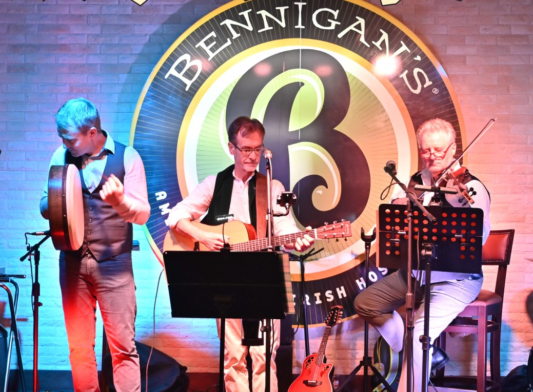 Gulf Weekly REVIEW: The O'Dwyers Band – Bennigans Amwaj